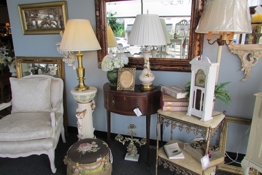 courtyard antiques olympia - home